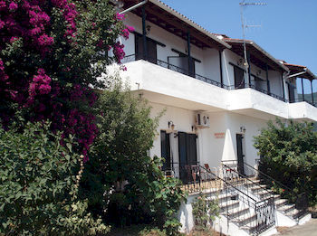 Aggeliki Apartments
