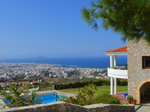 VILLA MAREMONTE1, amazing view -shared pool