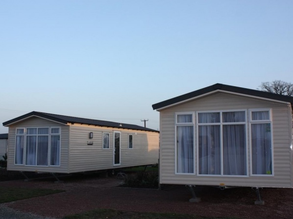 The Trotting Mare Caravan Park - Adults Only