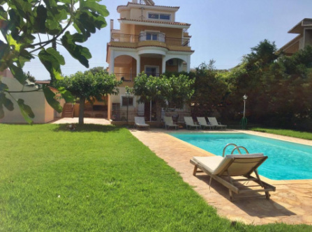 Luxury Relaxing Villa with Swimming Pool and Garden