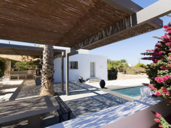 Villa Aphrodite · Elegant villa, sea views, designer renovation