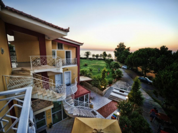 Irida Beach Resort Suites
