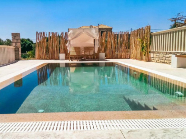 Livadakia Villa Sleeps 6 Pool Air Con WiFi